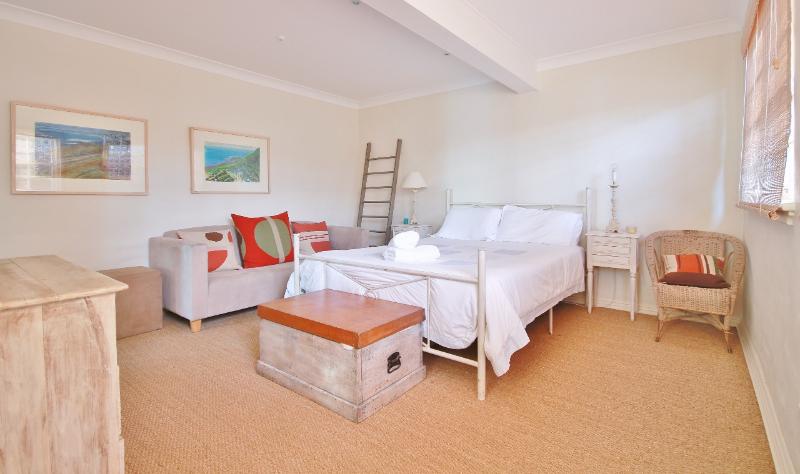 ds-main-bedroom-1-1280x759
