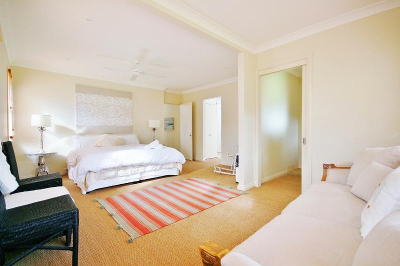 main-bedroom-1280x851